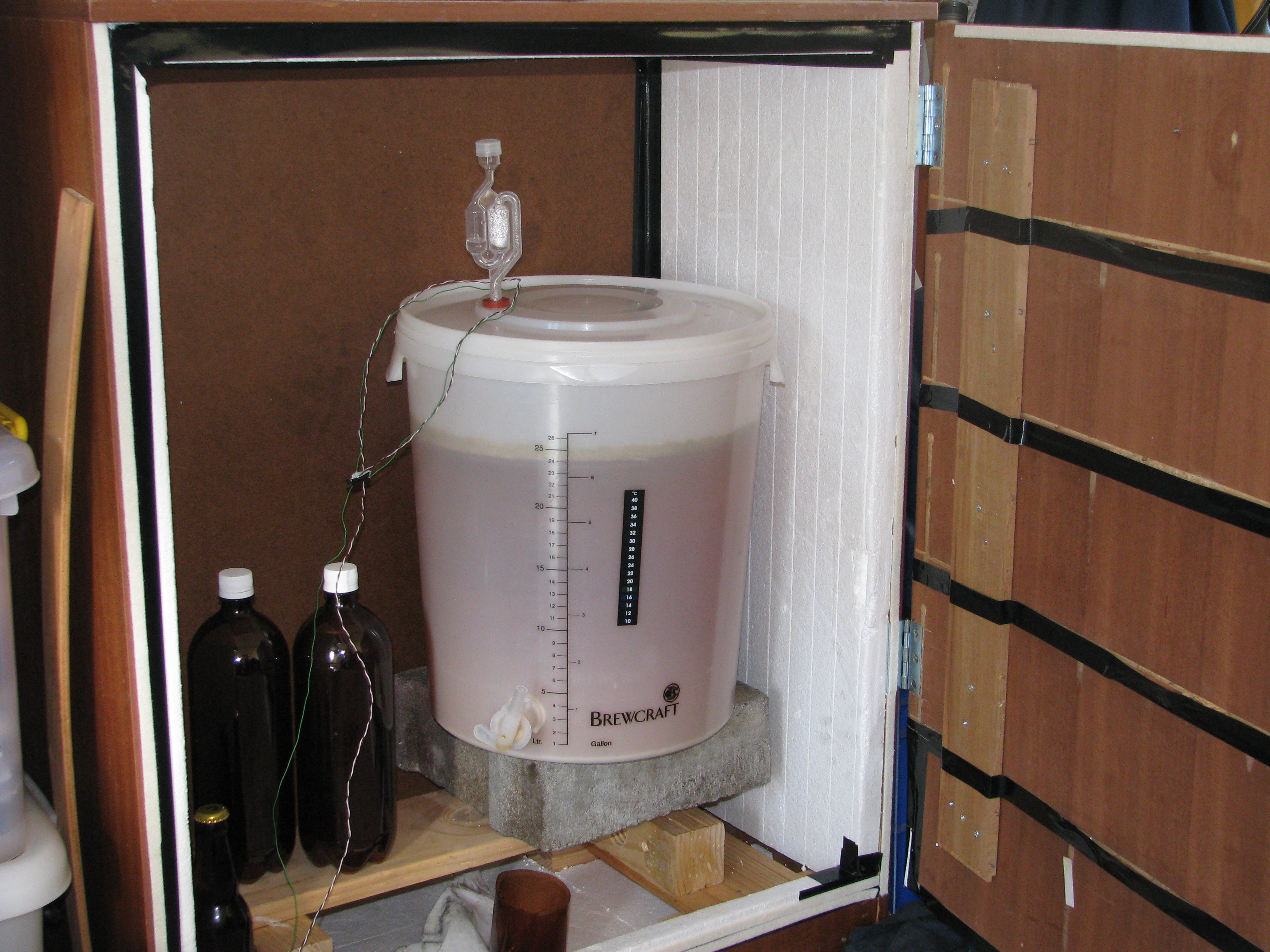Home Brew – Temperature managed fermenting cabinet – Pyrocam.com