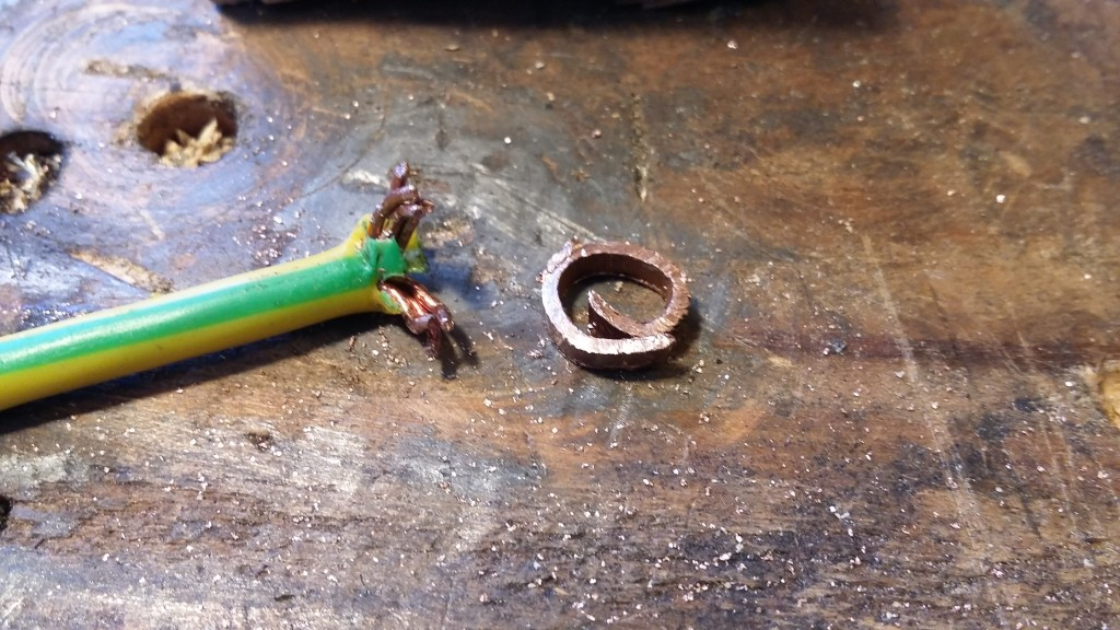 I want to make a heavy duty earth for the case so took some large gauge wire from that original cable and soldered it onto a small piece of copper