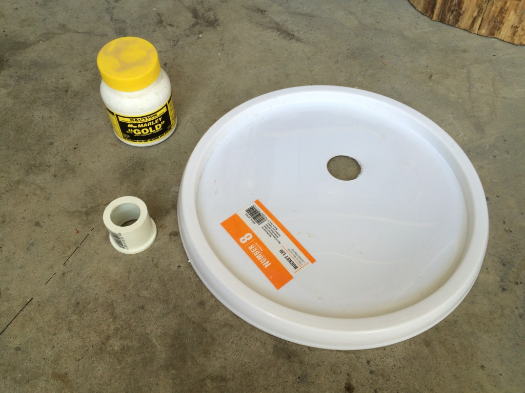 Bucket lid with hole, PVC adapter and glue